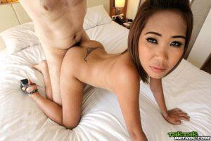 Geiles POV Pornovideo mit fickendem Thai Luder